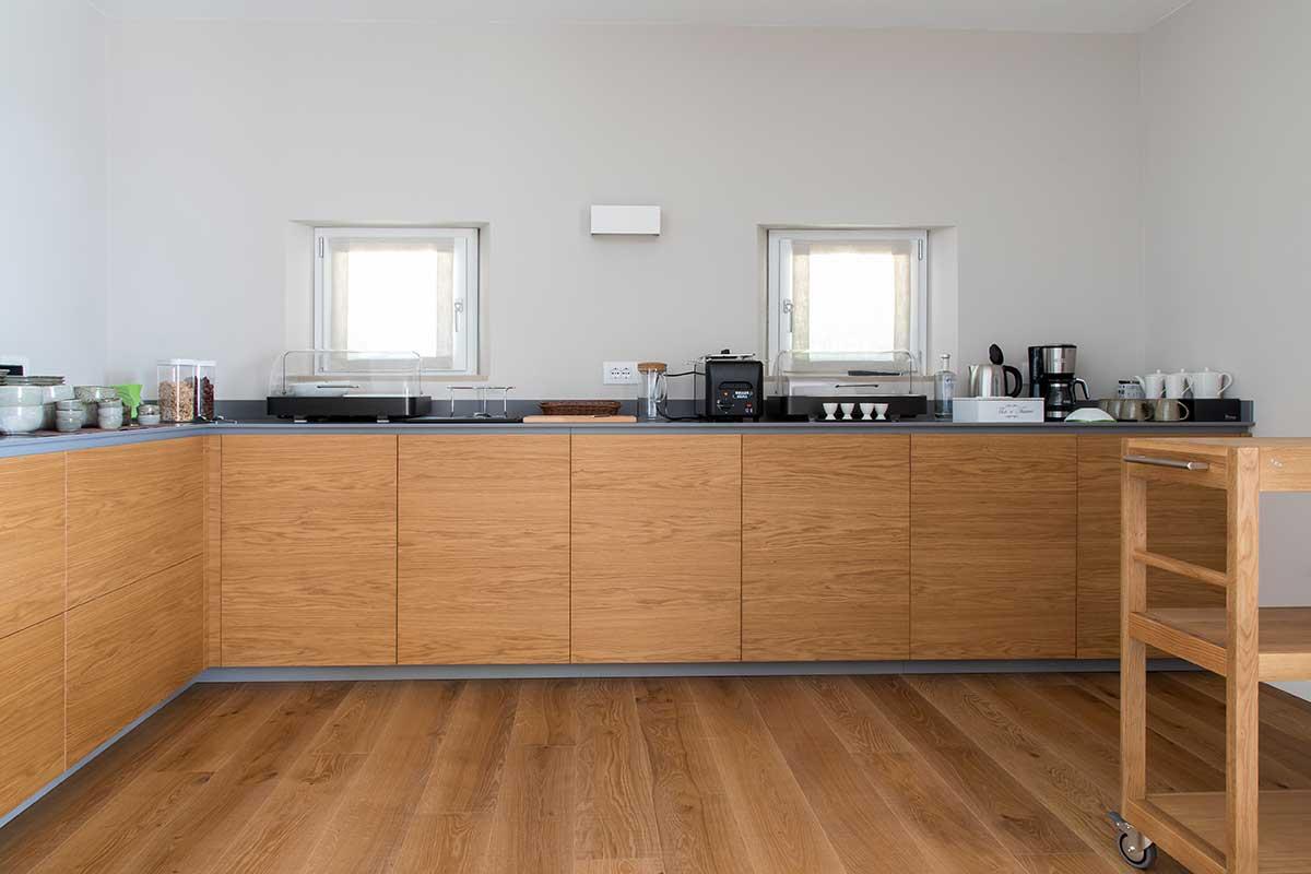 Zona bar e sala colazioni - Banco self service